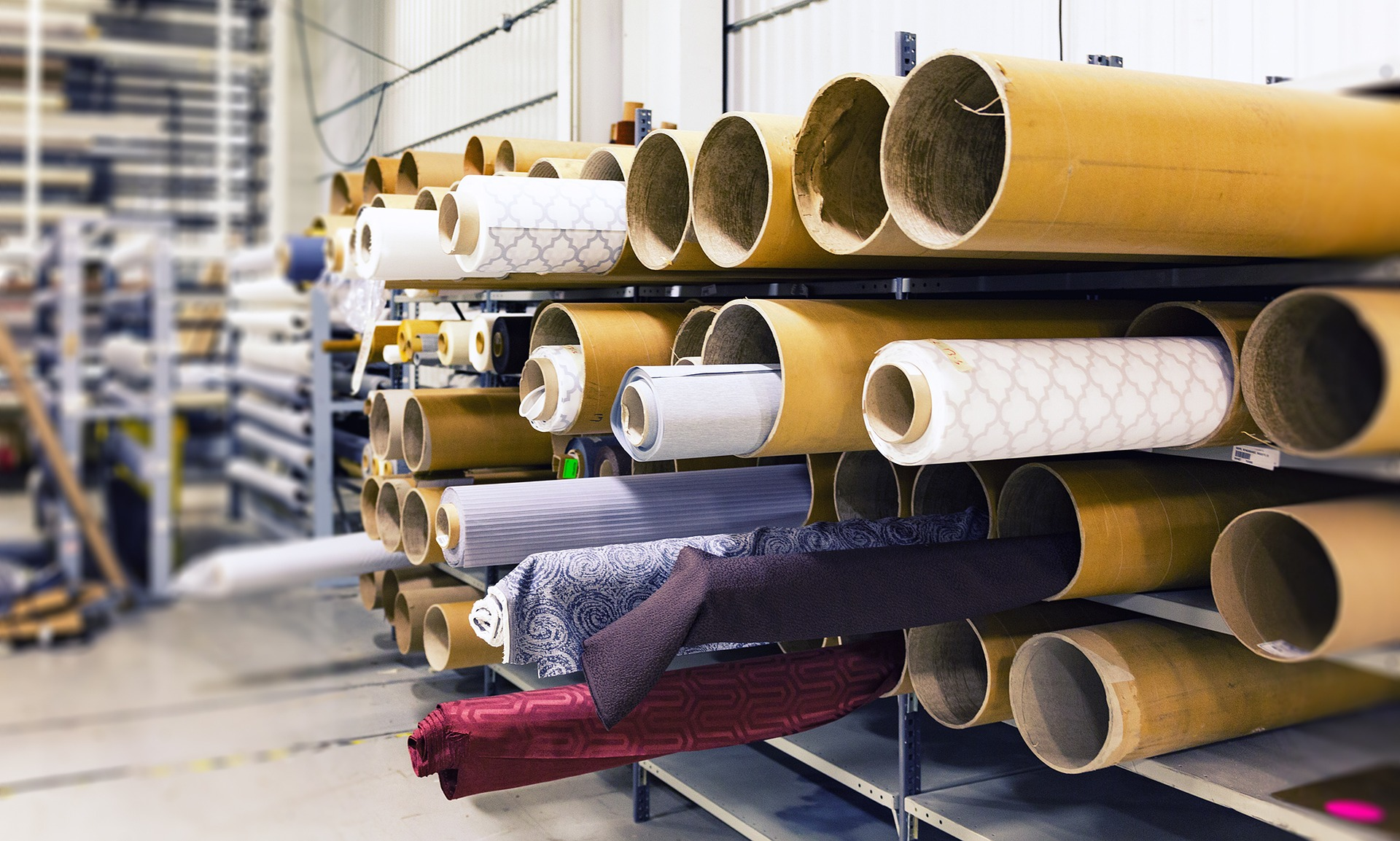 rolls-of-fabric-1767504_1920-1